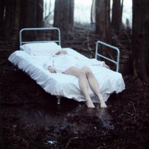 art-beauty-bed-dark-dirt-Favim.com-424456